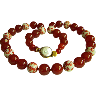 """Fabulous Vintage Chinese Hand Painted Red & White Porcelain Beads and Carnelian Beads Necklace 23 1/2"""" 128.6 g"""