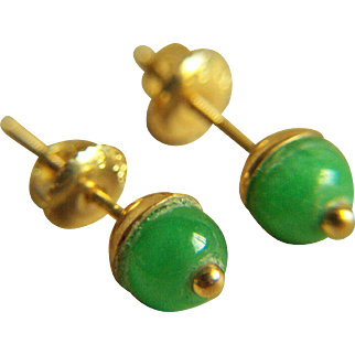 Vintage Precious 14K Jadeite Jade Pierced Earrings 2.1 g