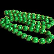 "Stunning vintage 14K Vivid Green Jadeite Jade Bead Necklace 93.4 g 32"""