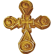 Striking Gold Tone Metal Cross Pendant