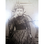 Photo Wee Winsome Young Girl Cabinet Card