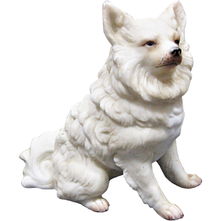 A Lovely Vintage Bisque  Figure Of A Samoyed / Spitz Dog