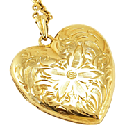 Vintage 14K Gold Floral Engraved Heart Locket