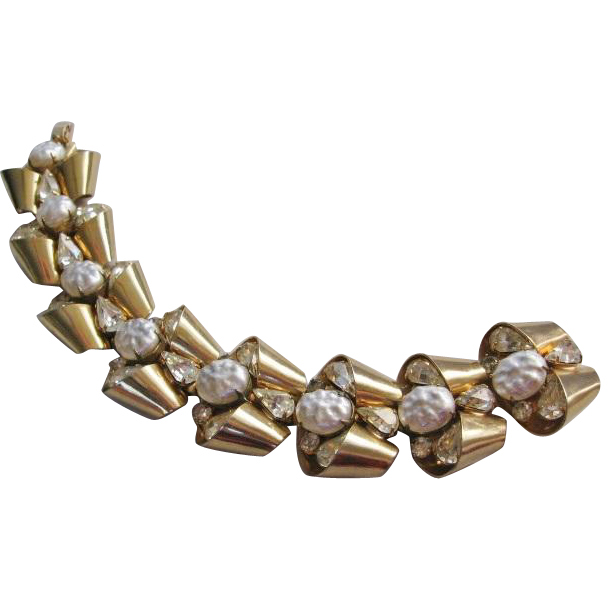 Vintage Retro Modern Style Gold tone Rhinestone and Simulated Pearl Bracelet