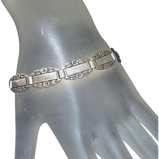 A Special Sterling Silver c.1945 Forget Me Not Vintage Bracelet with a Phrase