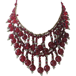 MIRIAM HASKELL Early Unsigned Red Glass & Pearls Dripping Bib Necklace