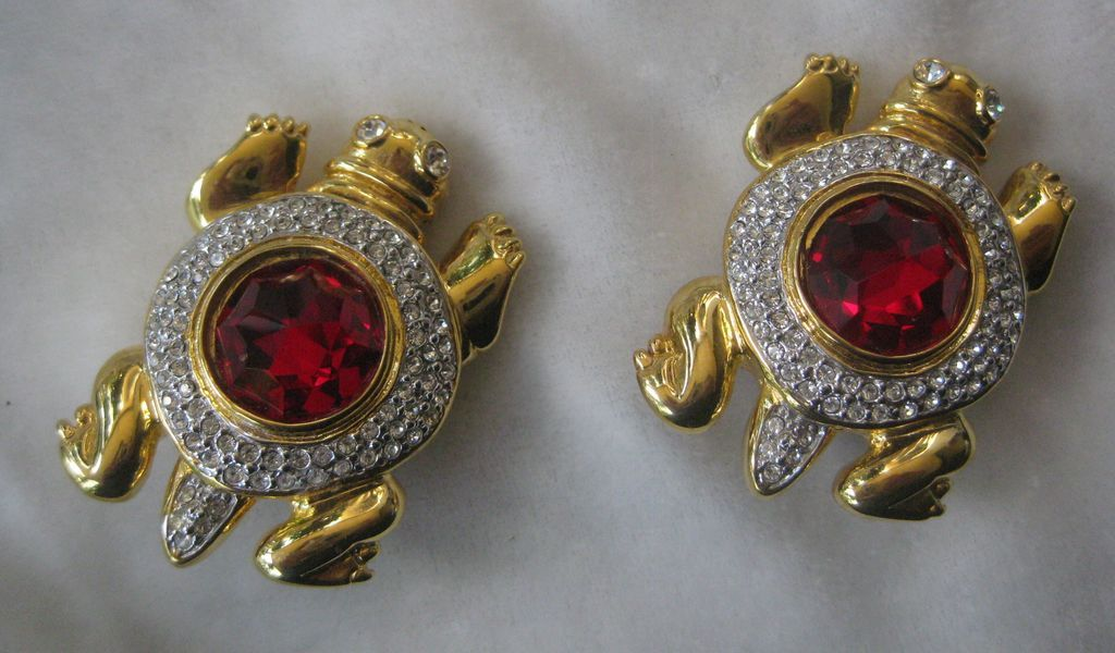 VALENTINO Beautiful Red Turtle Earrings