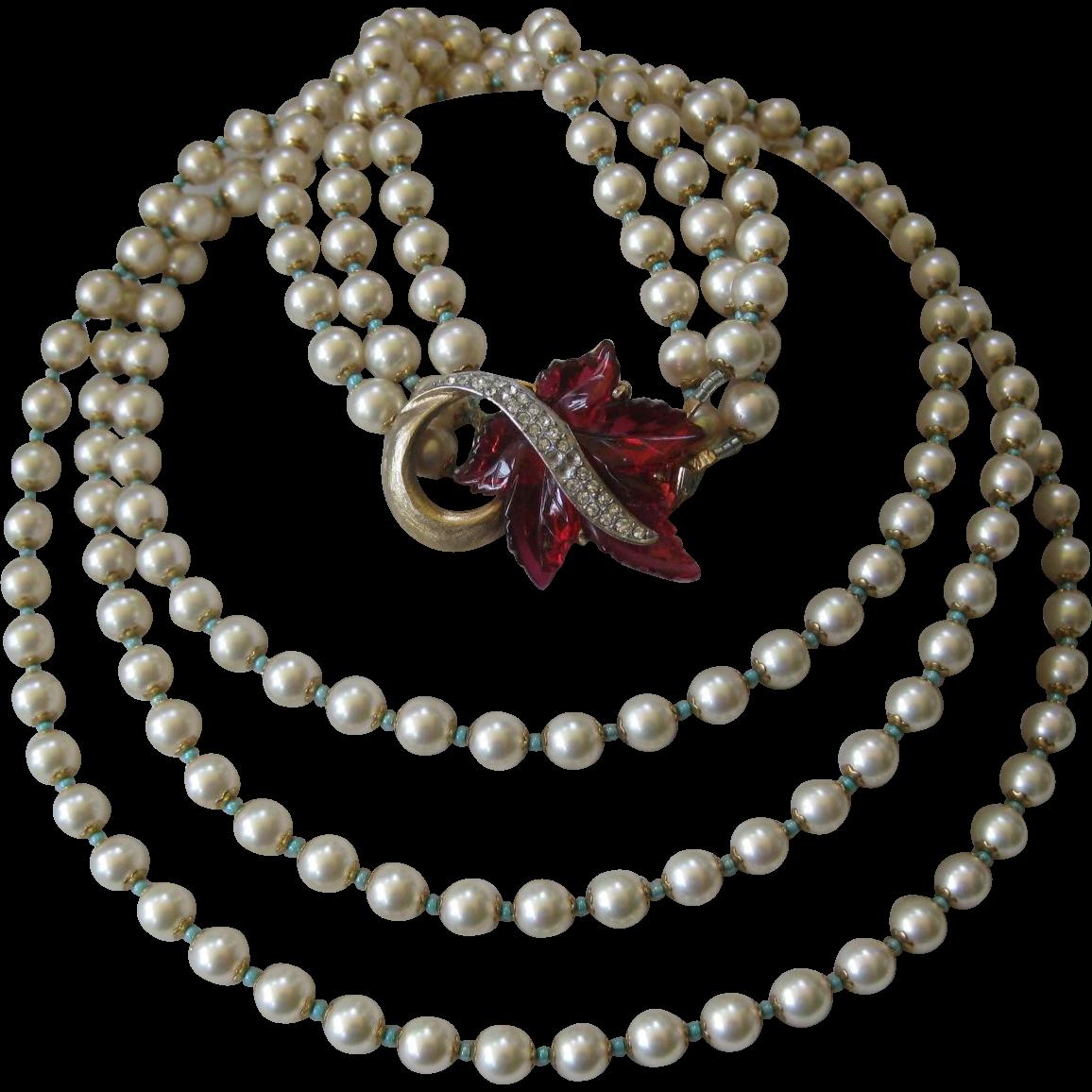 MARVELLA Stunning Vintage Raspberry Molded Glass & Rhinestones Pearls Necklace