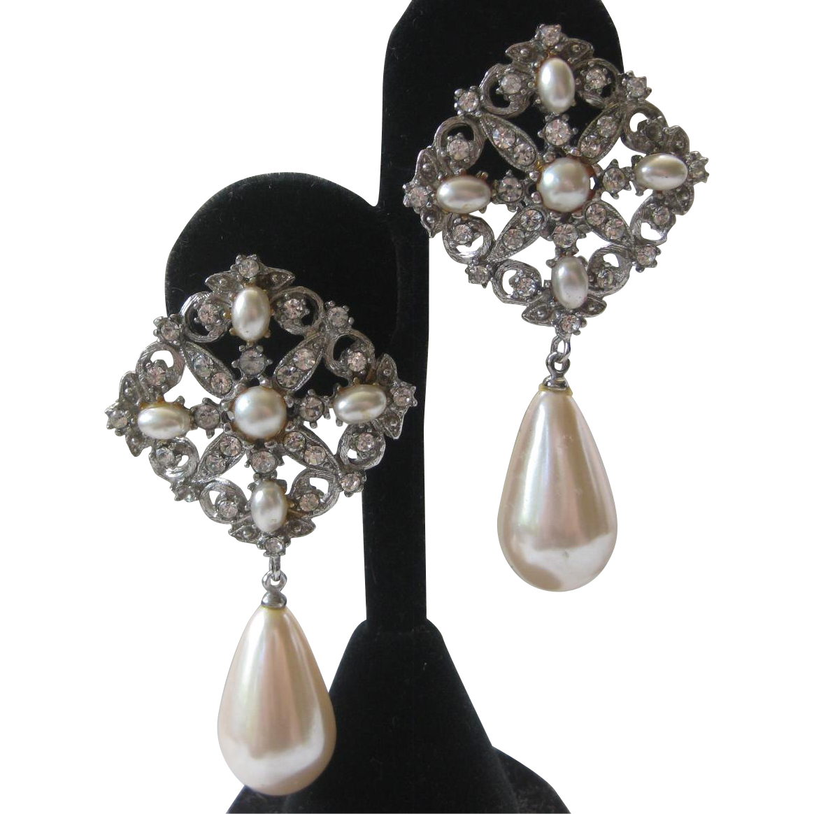RICHELIEU Beautiful Rhinestones & Pearls Vintage Drop Earrings