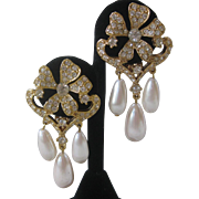 Vintage Beautiful Floral Rhinestones & Dangling Pearl Drops Earrings