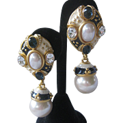 Beautiful Signed Vintage Enamel & Glass Pearls Earrings