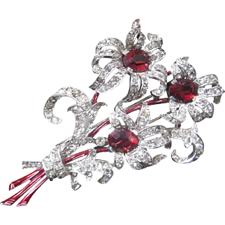 TRIFARI Large Vintage Red Glass Rhinestones & Enamel Fur Clip