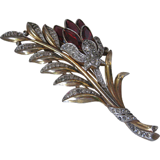 TRIFARI Large Stunning Raspberry Glass Stones & Rhinestones Vintage Fur Clip