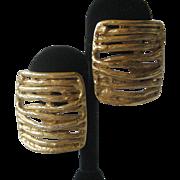 CLARA STUDIO Inc. Beautiful Vintage Gold tone Earrings