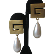 GIVENCHY Large Gold Tone & Dangling Pearl Vintage Hanging Earrings