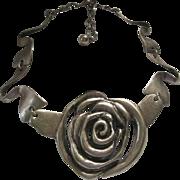 OSCAR DE LA RENTA  Large Gold Tone Moderne Rose Necklace Signed