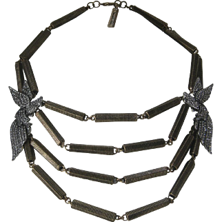 OSCAR DE LA RENTA Rhinestone Lovebirds Heavy Antique Gold Tone Necklace