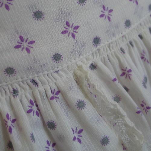 Vintage 1940s Lavender and White Sheer Novelty Print Summer Apron