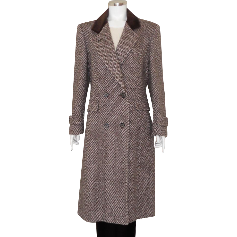 Chesterfield Coat is rated out of 5 by 1. Rated 4 out of 5 by Cindymoss from Pretty light coat, well made The look and fit are perfect. Fabric is so so though for the price.4/5(1).