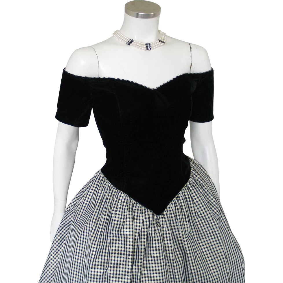 Vintage 1980s Black Velvet Sweetheart Princess Party Dress with Shimmering Gold Plaid Taffeta Skirt M