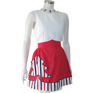 Vintage 1950s Red Black White Cotton Holiday Christmas Tree Novelty Apron