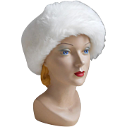 Vintage Winter White Knit Hat with Cozy Faux Fur Edge