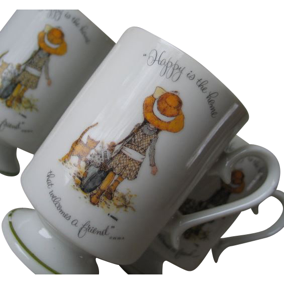 Vintage Authentic 1973 Holly Hobbie Set of Four Footed Cups Mugs Coffee Tea
