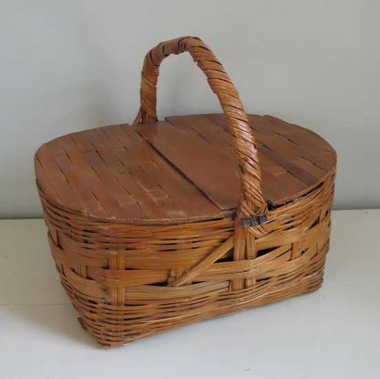 Woven Basket With Hinged Lid : Vintage woven picnic basket with hinged wooden lid sold on