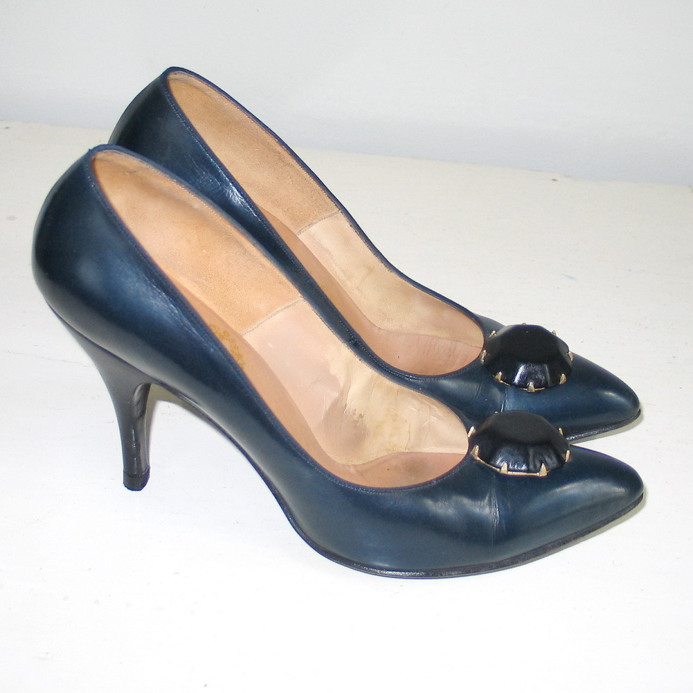 Vintage 1960s Midnight Blue and Black Stiletto Heels 7AA from