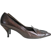 Vintage 1960s Dark Brown Smooth and Pebbled Leather Pointed Toes Shoes Heels