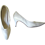 Authentic Vintage 1950s 1960s White Leather Heels with Pretty Decorative Cutouts