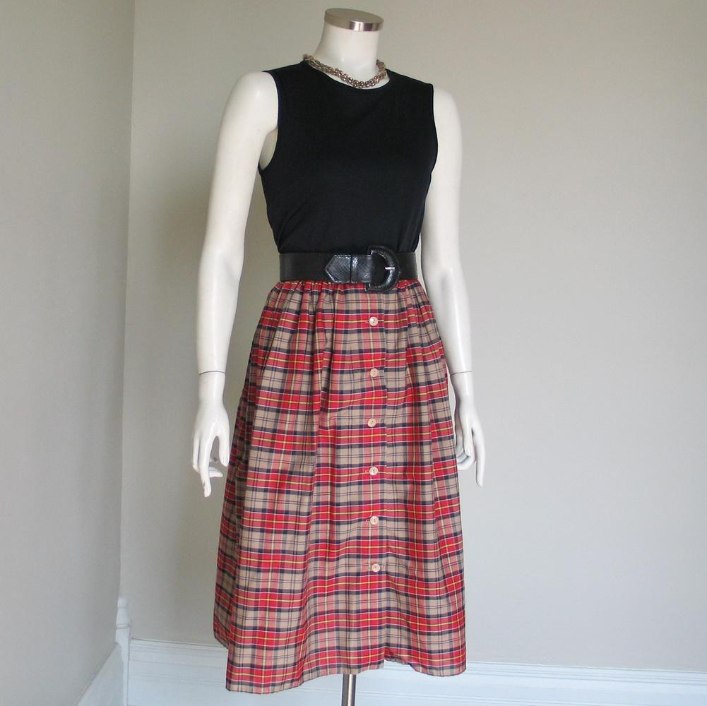 Vintage 1970s Tan Black and Red Plaid Dirndl Gathered Skirt S