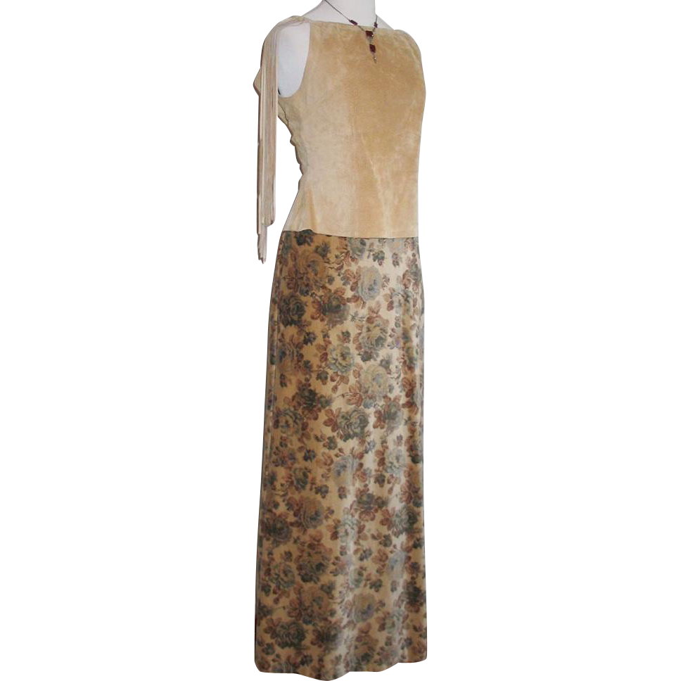 Authentic Vintage 1970s Camel with Dark Floral Print Velveteen Maxi Skirt S XS Brown Gray