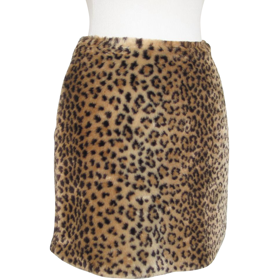 Vintage Early 1990s XOXO Leopard Print Faux Fur Vegan Micro Mini Skirt S