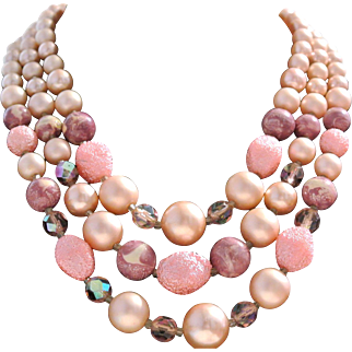 Vintage 1940's Bead Necklace