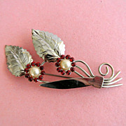 Vintage Silvertone Flowers And Leaves Brooch