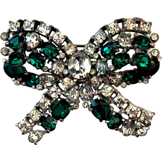 Vintage Large Coro Bow In Green And Clear Rhinestones Brooch/Pin