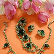 Vintage Emerald Green Rhinestone Necklace Bracelet and Earrings