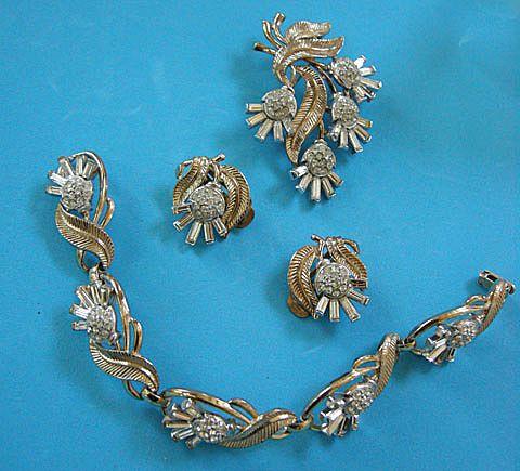 Beautiful Crown Trifari Bracelet Brooch Earrings