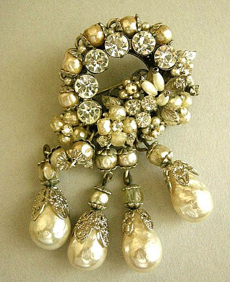 Breathtaking Robert NY Simulated Pearl Vintage Brooch and Earrings