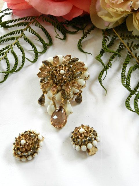 Divalicious Schreiner Milk Glass Peach and Smoke Drippy Vintage Brooch and Earrings