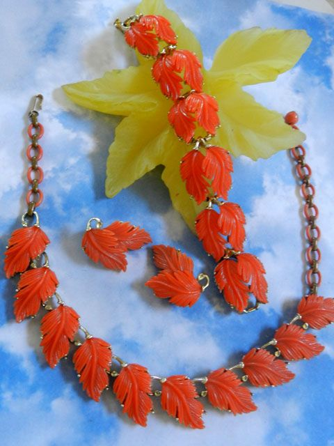 Vintage Lisner Tangerine Leaf Necklace Bracelet and Earrings