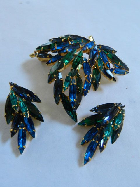 gorgeous Austrian Sapphire and Emerald Vintage Brooch and Earrings