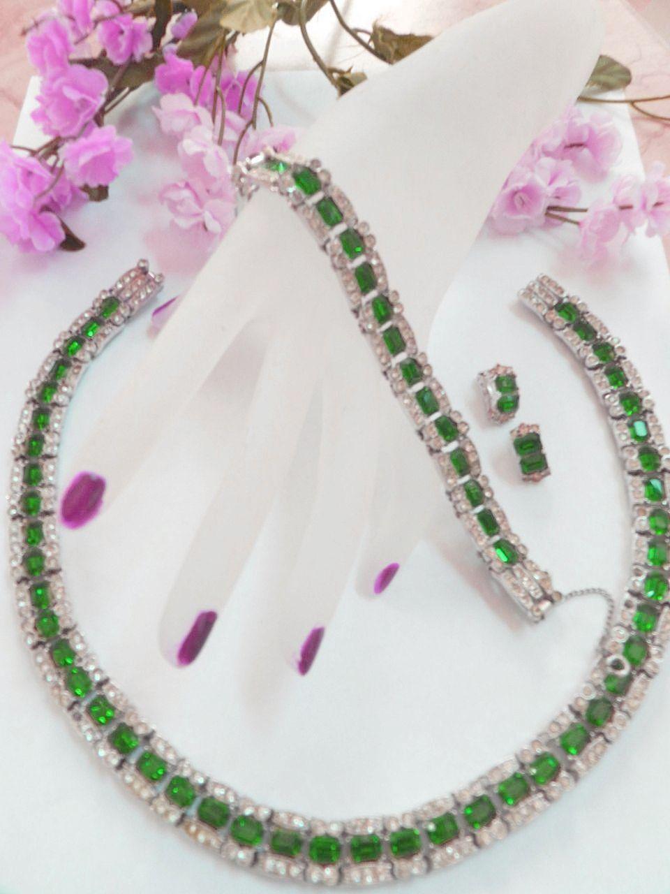 Breathtaking Heavy Bogoff Emerald Green Vintage Necklace Bracelet earrings