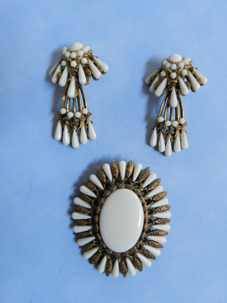 Rare Hard to Find Har Vintage Brooch and Hanging earrings