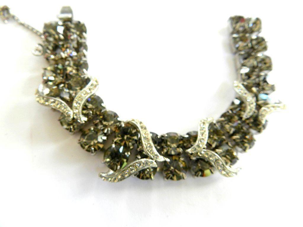 return to Elegance Vintage Weiss Smoke Rhinestone Bracelet Earrings Brooch