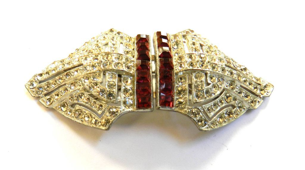 Exquisite Coro Duette Big Deco Style Vintage 40's Brooch