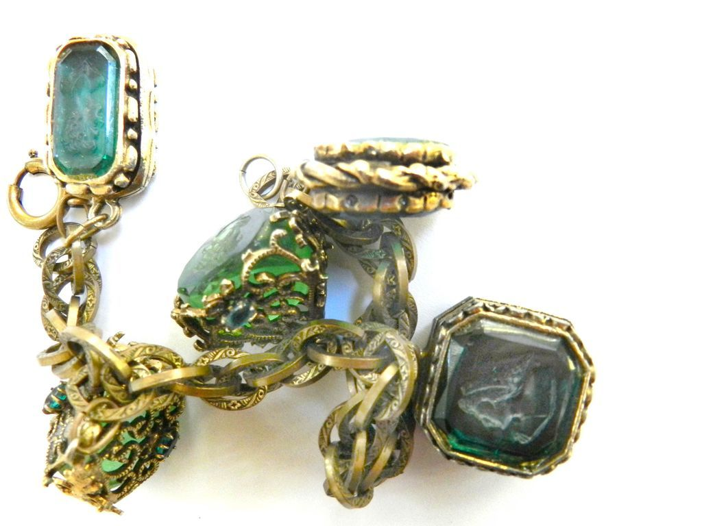 lots of Noise Victorian Style Heavy FOB Charm Bracelet