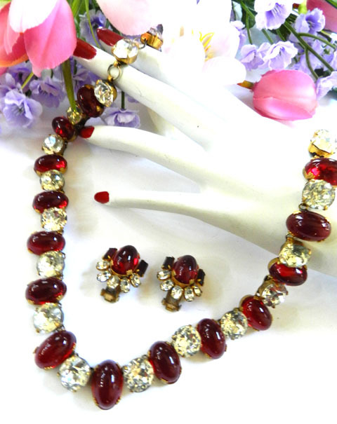 Fabulous 1940s Ruby Red Cabochon Rhinestone Necklace Earring Demi