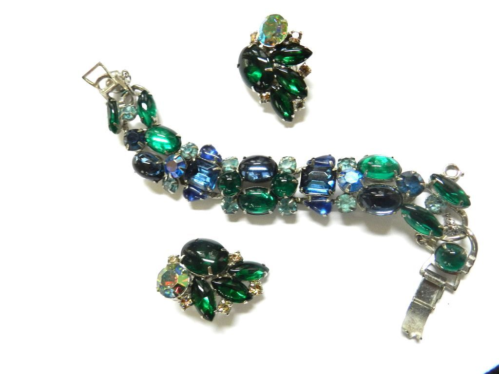 Vintage Weiss Blue Emerald Cabochon Glass Rhinestone Demi